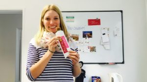 Christin Rosenberg Marketing ALvis mit leckerem Müsliriegel