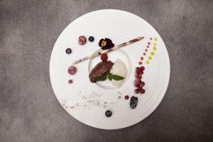 ALvis Restaurant Berlin Mitte - Weiße und dunkle Mousse